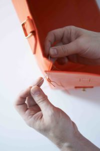 Stiebich & Rieth hand stitching a handbag with the saddle stitch