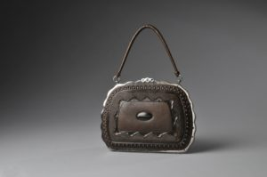 German Leather Museum_Deutsches Ledermuseum_Damenhandtasche 1880_©DLM:C.Perl-Appl