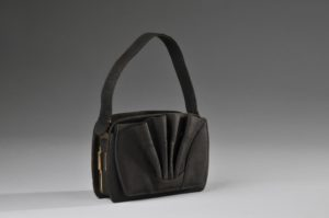 German Leather Museum_Deutsches Ledermuseum_Suede Leather Bag 1920-30 _©DLM:C.Perl-Appl