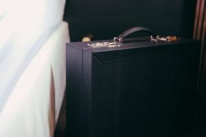 leather design studio Niyona_Bespoke Attaché-case_1