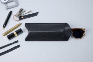 leather design studio_Niyona Eyewear case