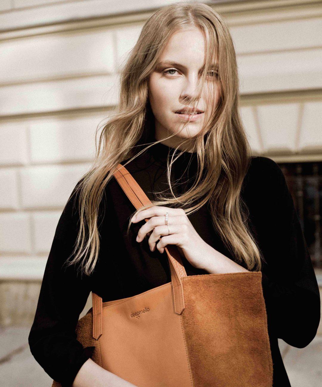 Deepmello handbags: Shoulde Bag cognac